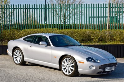 Lot 17-2004 Jaguar XKR
