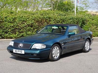 Lot 10 - 1996 Mercedes-Benz SL 320