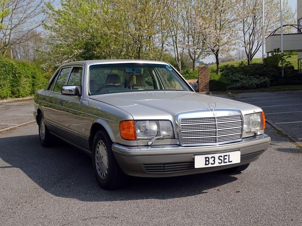 Lot 26 - 1988 Mercedes-Benz 560 SEL
