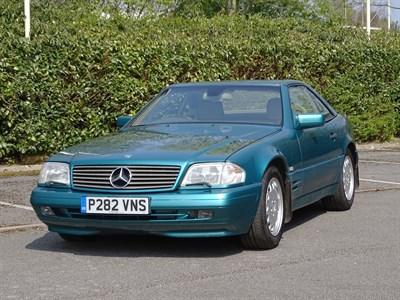 Lot 8 - 1997 Mercedes-Benz SL 320