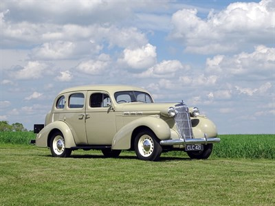 Lot 20-1935 Oldsmobile Six F-35 Touring Saloon