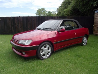 Lot 42-1995 Peugeot 306 Cabriolet
