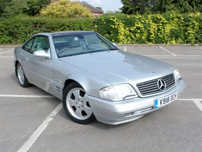 Lot 82 - 1999 Mercedes-Benz SL 320