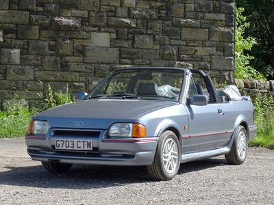 Lot 30 - 1990 Ford Escort XR3i Cabriolet