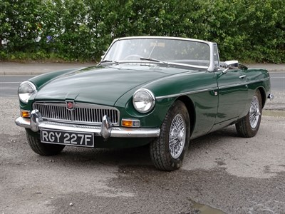 Lot 19 - 1967 MG B Roadster