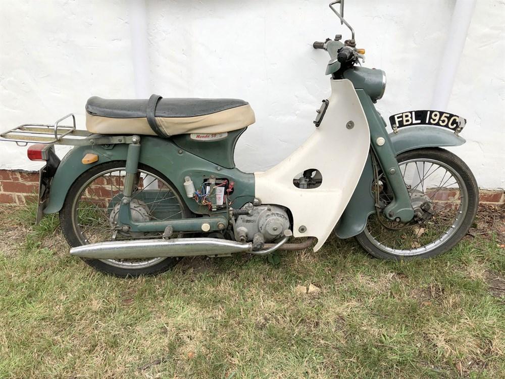 Lot 1-1965 Honda C100