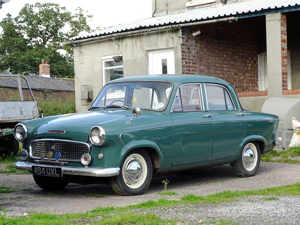 Lot 3-1962 Standard Ensign De Luxe