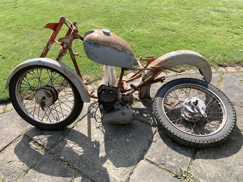 Lot 32-1954 Tandon Imp