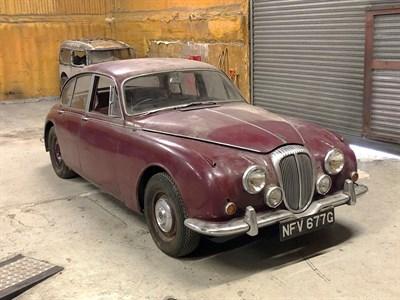 Lot 2-1969 Daimler V8-250