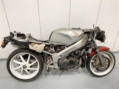 Lot 36-1990 Honda VFR400R