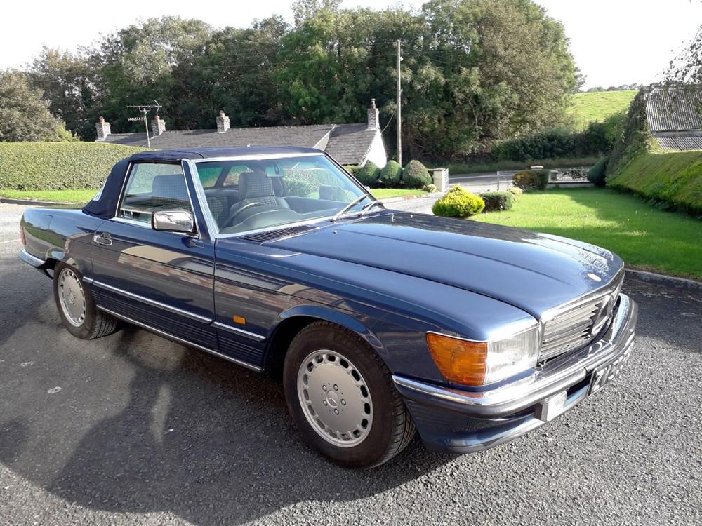 Lot 17 - 1987 Mercedes-Benz 300 SL