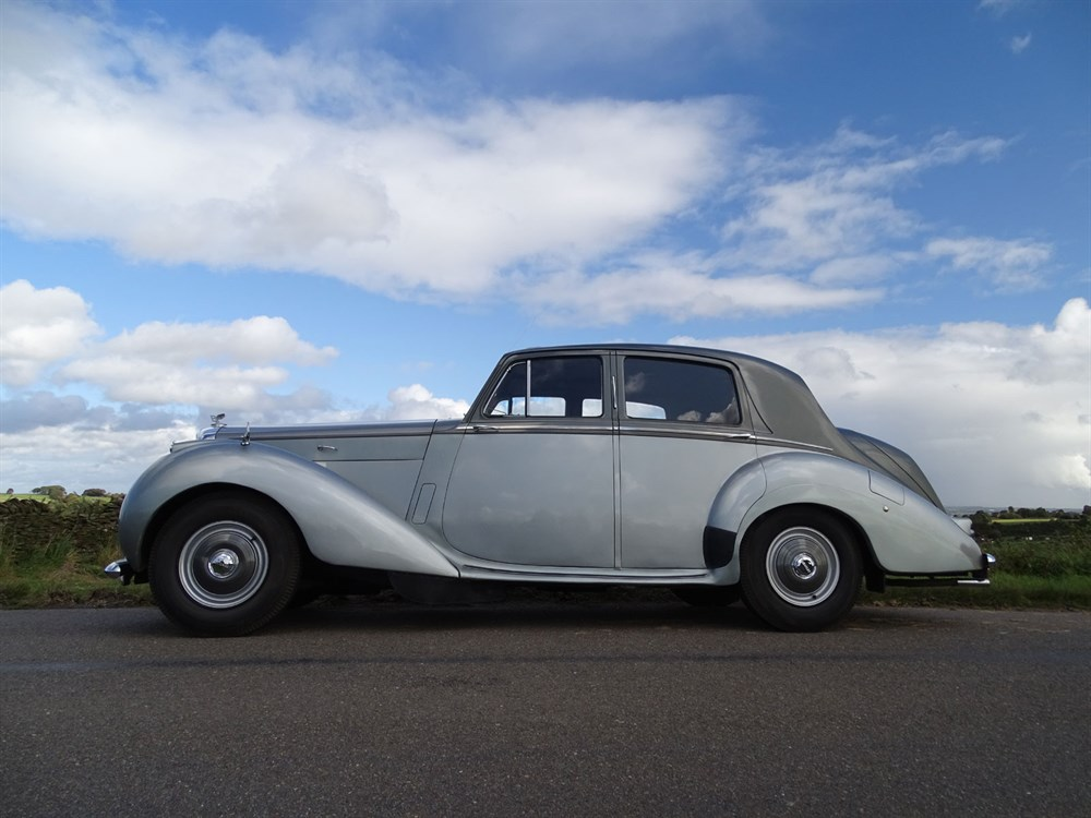 Lot 76-1955 Bentley R-Type Saloon