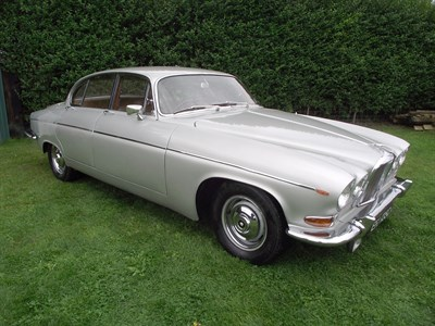 Lot 36-1965 Jaguar 420G