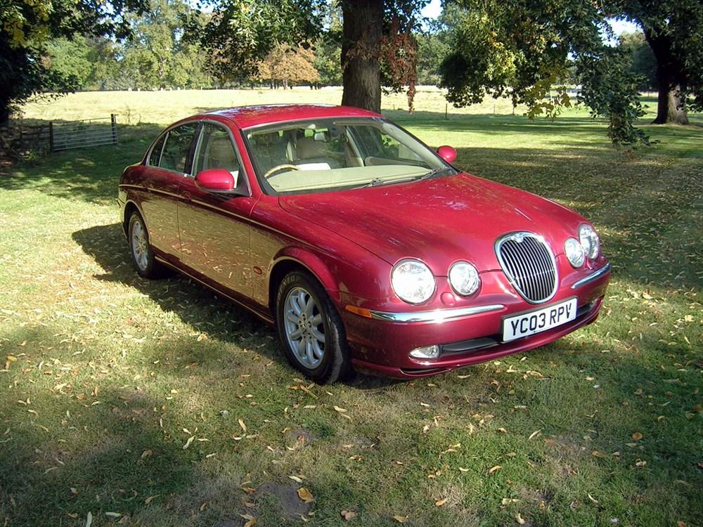 Lot 45-2003 Jaguar S-Type 3.0 V6 SE