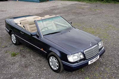 Lot 20-1995 Mercedes-Benz E 220 Cabriolet