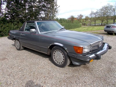 Lot 44-1987 Mercedes-Benz 560 SL