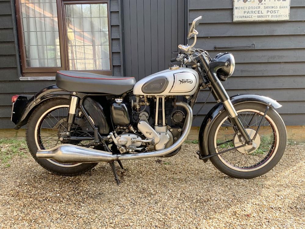 Lot 19-1955 Norton ES2
