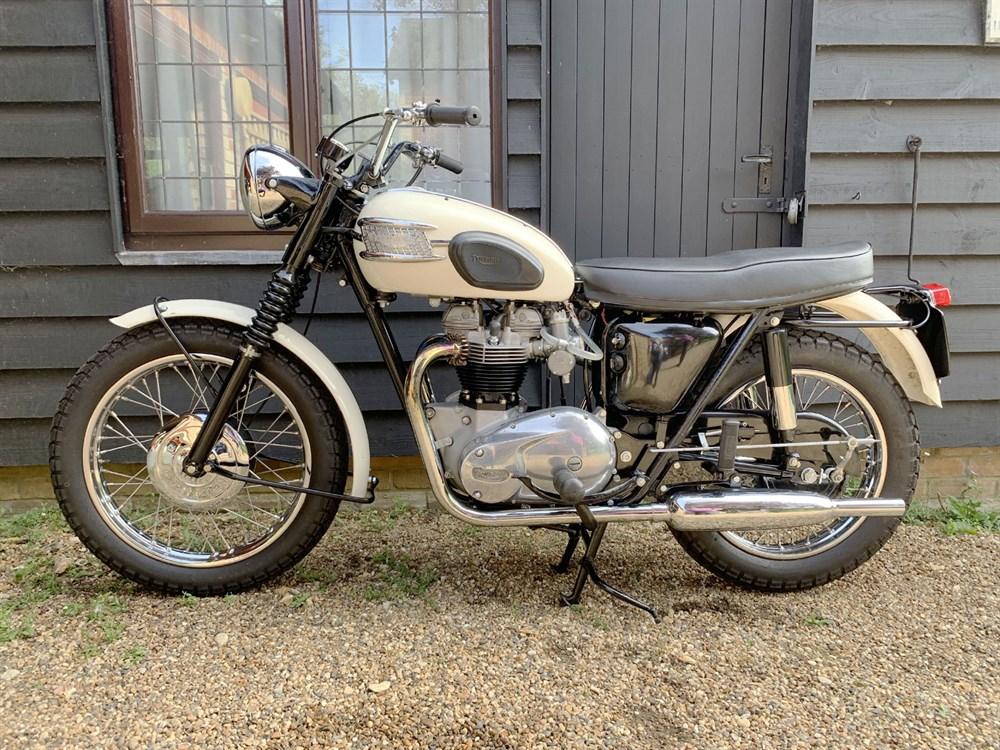 Lot 20-1963 Triumph T120C Bonneville