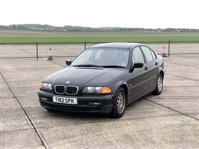 Lot 11-1999 BMW 318i SE