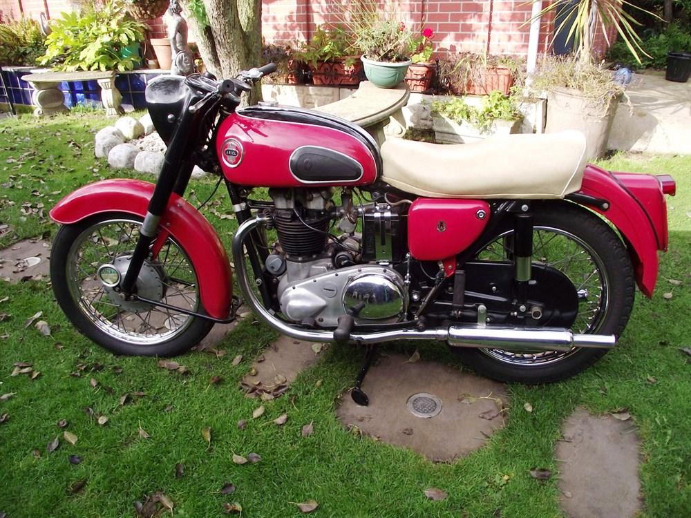 Lot 52-1958 Ariel Huntmaster FH