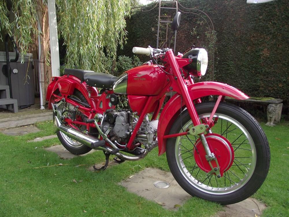 Lot 55-1950 Moto Guzzi Airone
