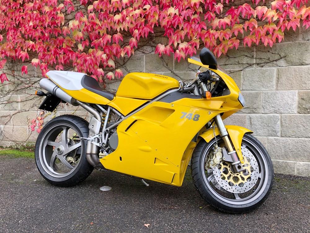 Lot 59-2000 Ducati 748R