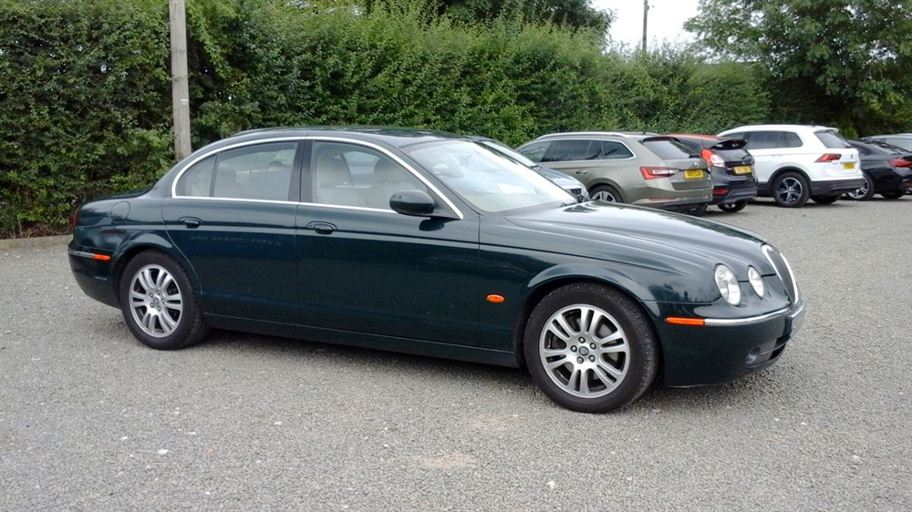 Lot 81-2005 Jaguar S-Type 2.7 V6 Diesel